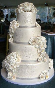 Winter wedding cakes we love savvy chic avenue winter wedding cakes we love13 junglespirit Gallery