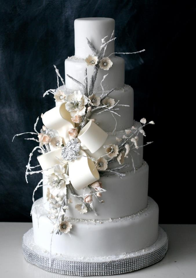 winter themed wedding cakes winter wedding cakes we savvy chic avenue 27548